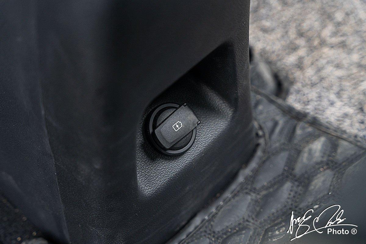 Cổng sạc USB cho hàng ghế sau trên Hyundai Accent 2021.