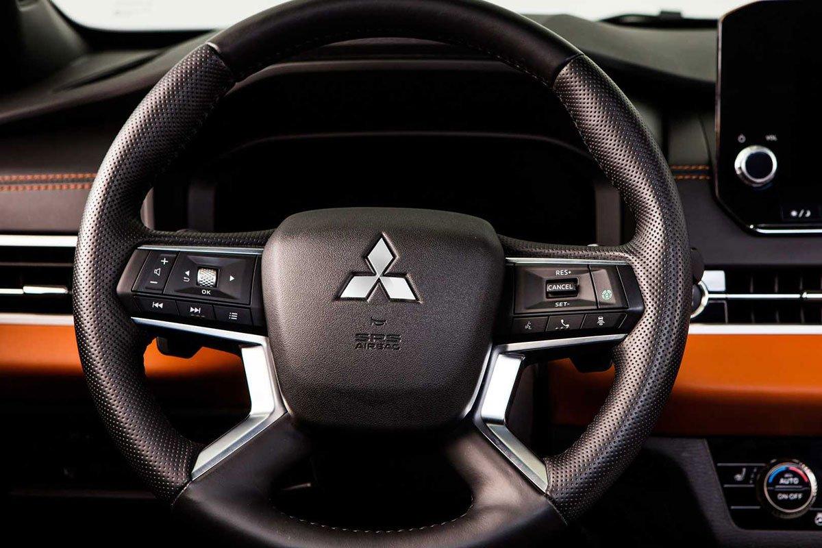 Ảnh Vô-lăng xe Mitsubishi Outlander 2022