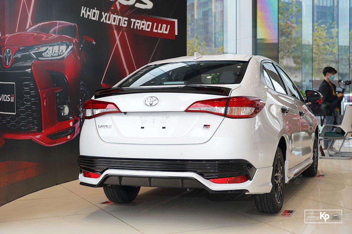 Cận cảnh Toyota Vios GR-S 2021, có gì để đấu Honda City RS? a11