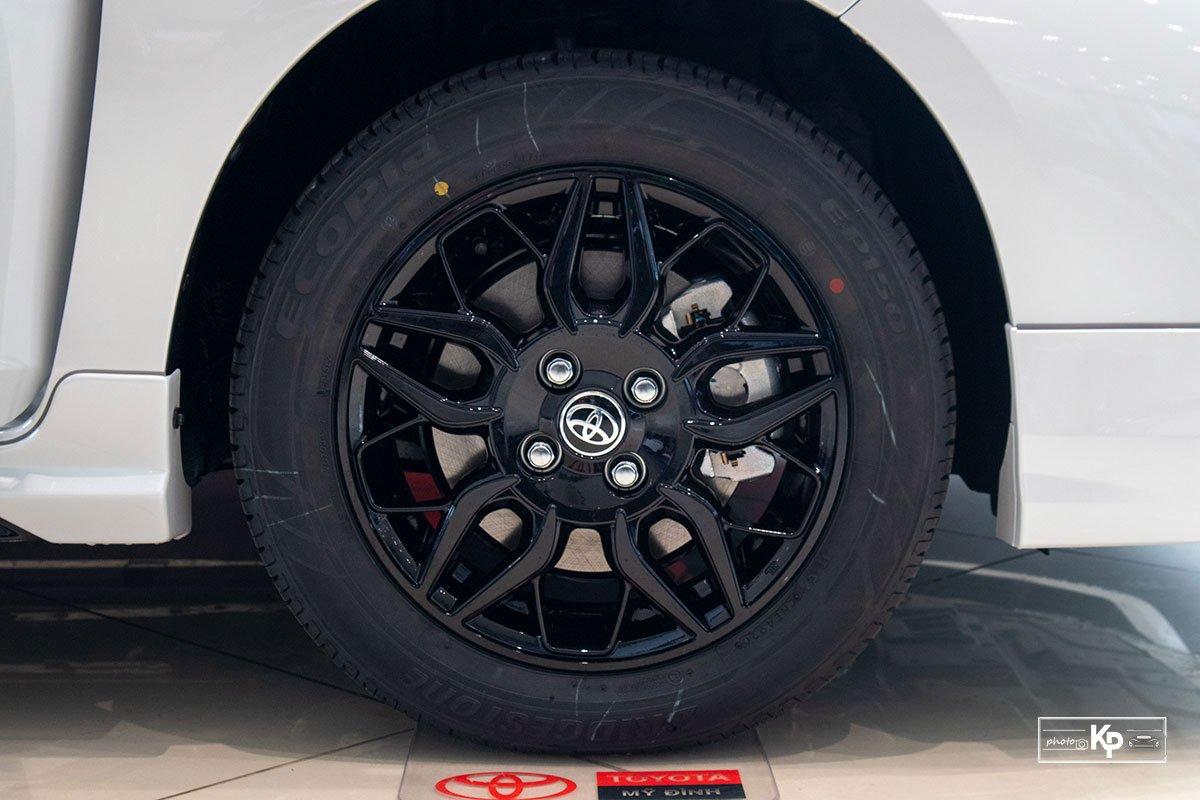 Cận cảnh Toyota Vios GR-S 2021, có gì để đấu Honda City RS? a8