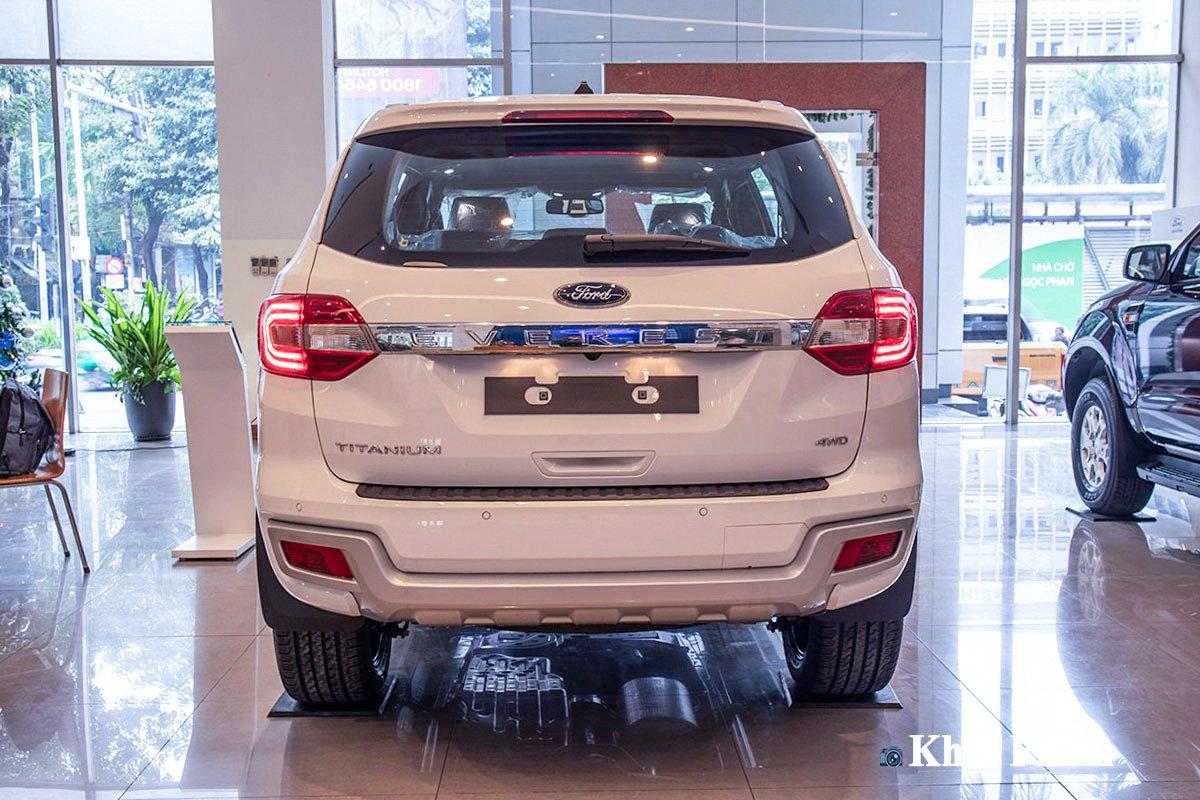 Thiết kế đuôi xe Ford Everest 2021 1