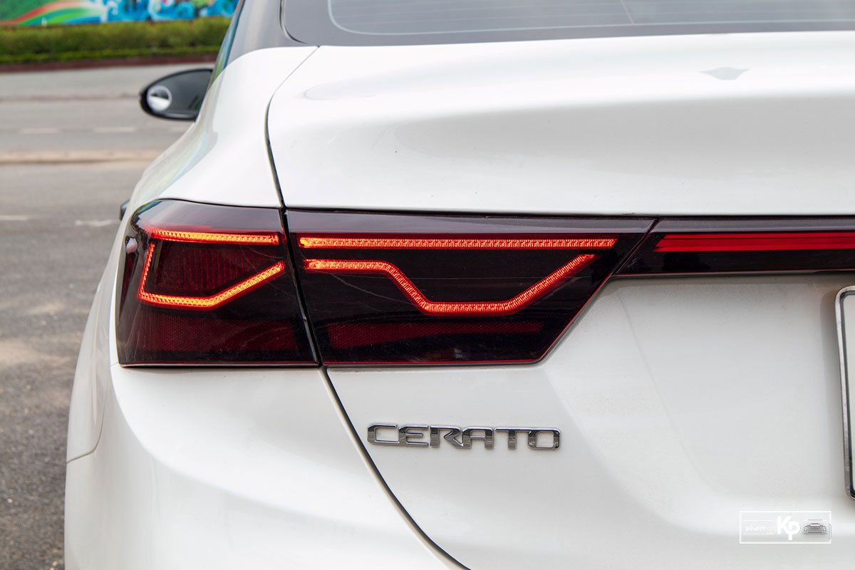 Ảnh Đèn hậu xe Kia Cerato 1.6L Luxury 2021