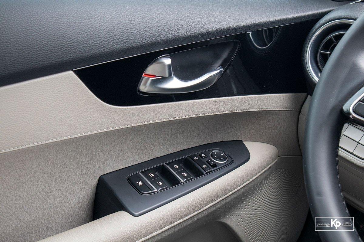 Ảnh Táp-li cửa xe Kia Cerato 1.6L Luxury 2021