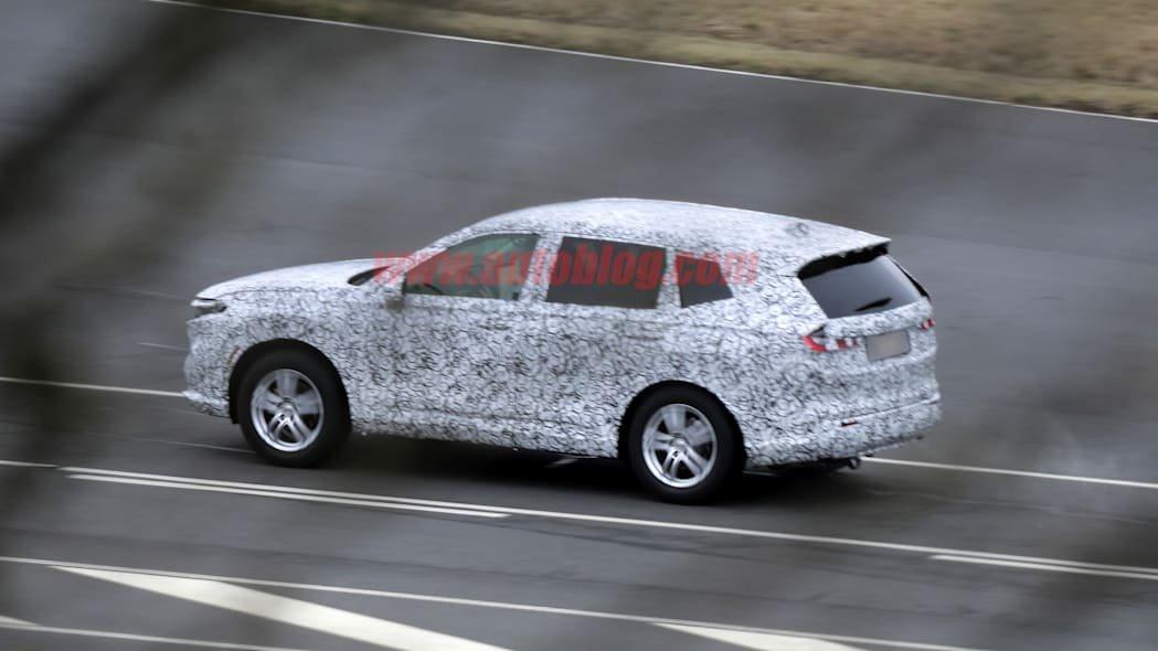 Honda CR-V 2023 được trông chờ cung cấp cả bản động cơ đốt truyền thống kèm theo hybrid.