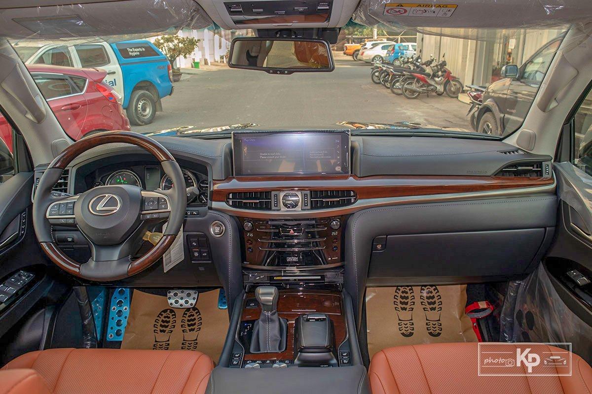 Ảnh Khoang lái xe Lexus LX570 Super Sport 2021