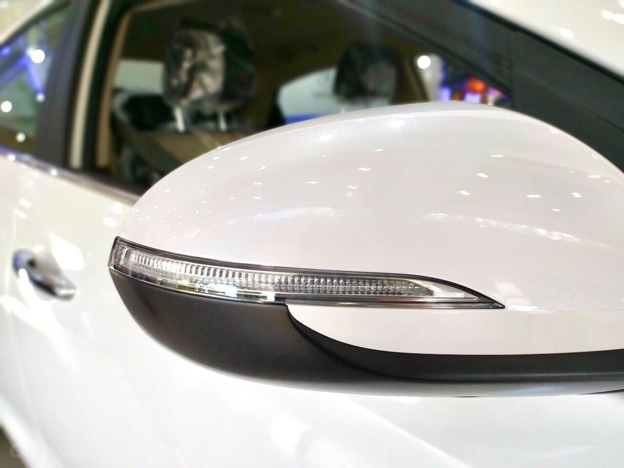 {Hyundai Miền Nam} Hyundai Accent 2021 có sẵn đủ màu tặng phụ kiện: Combo 7 món phụ kiện chính hãng (10)