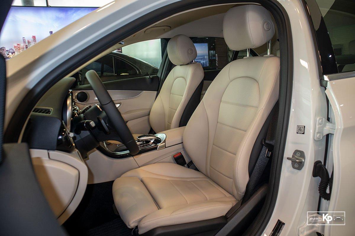 Ảnh Ghế lái xe Mercedes-Benz C 180 AMG 2021