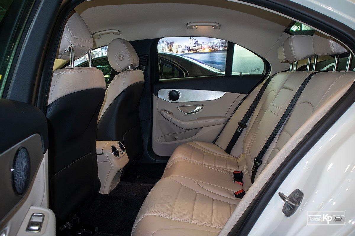 Ảnh Ghế sau xe Mercedes-Benz C 180 AMG 2021