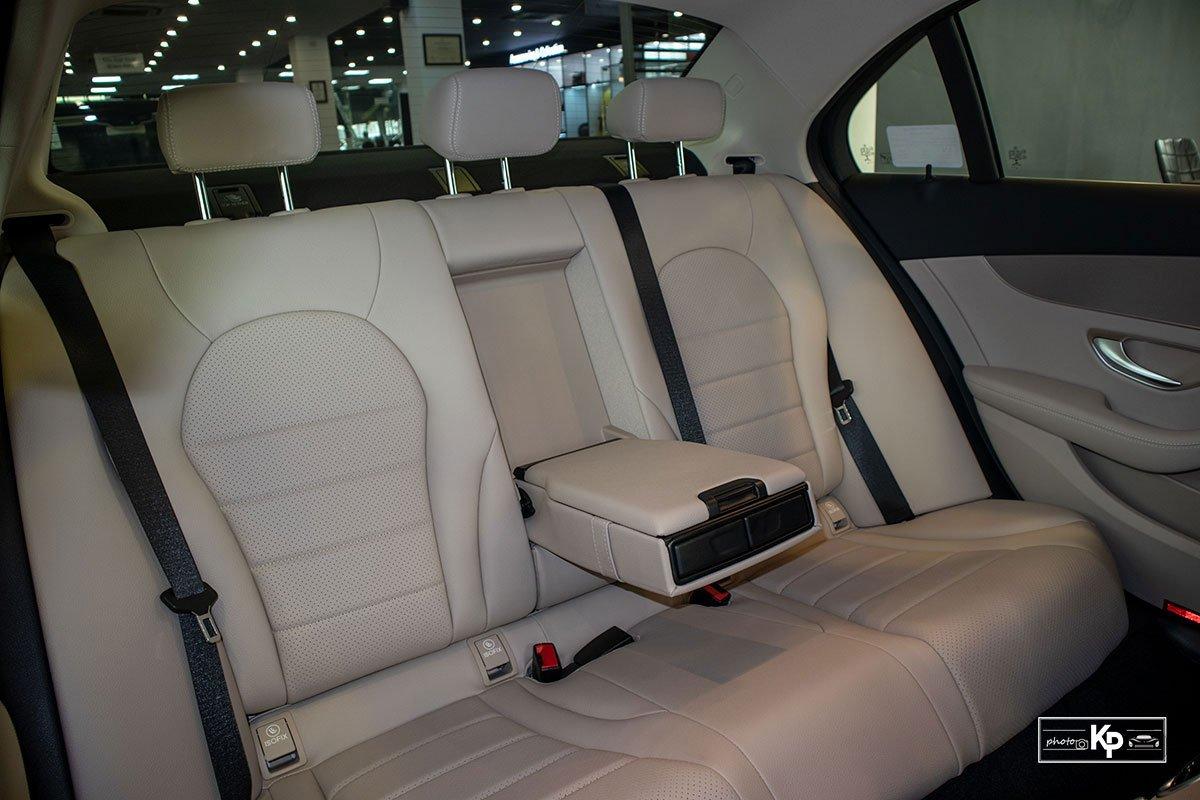 Ảnh Ghế sau xe Mercedes-Benz C 180 AMG 2021 a1