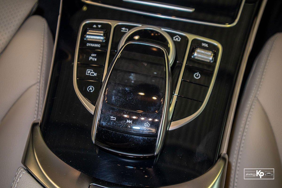Ảnh Điều khiển xe Mercedes-Benz C 180 AMG 2021