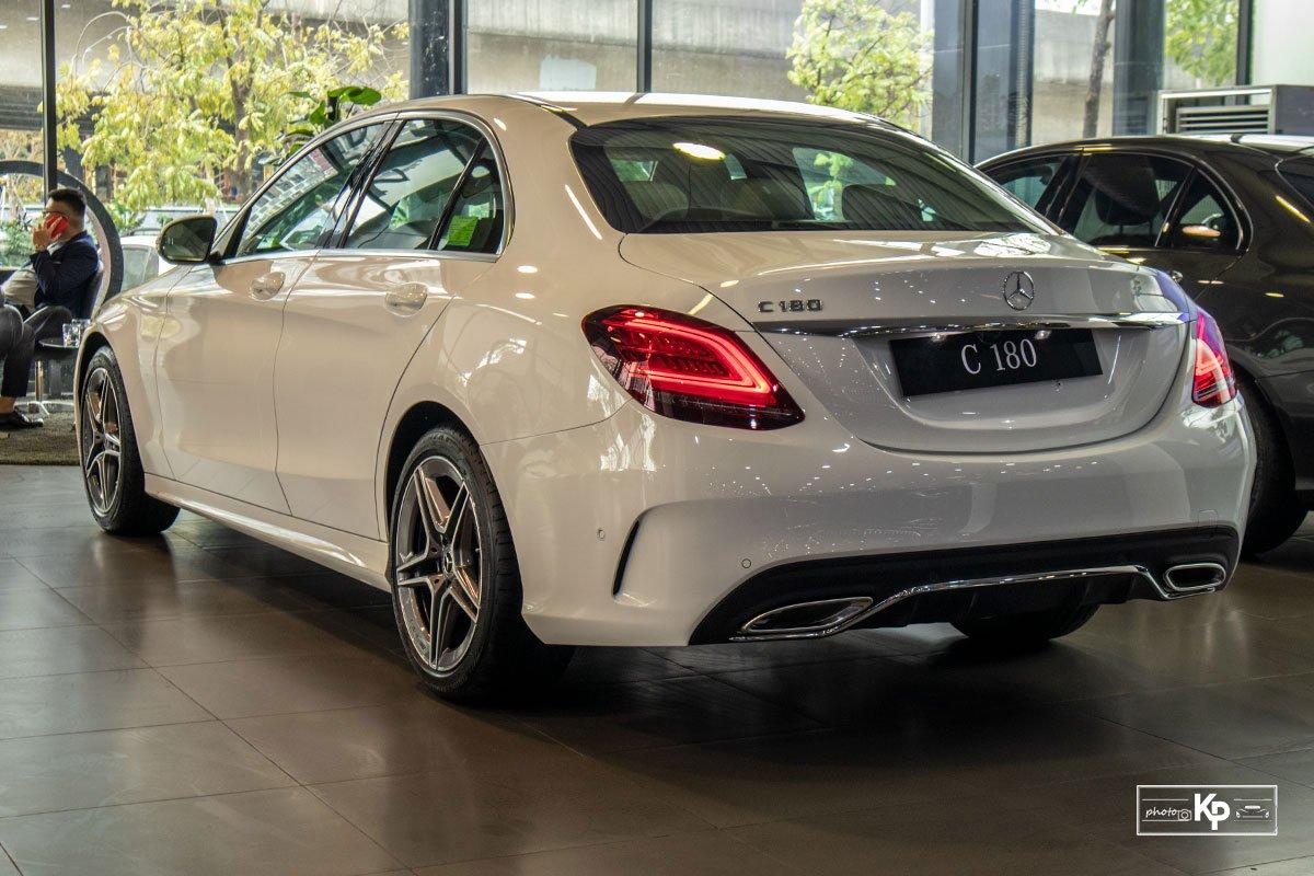 Ảnh Đuôi xe Mercedes-Benz C 180 AMG 2021