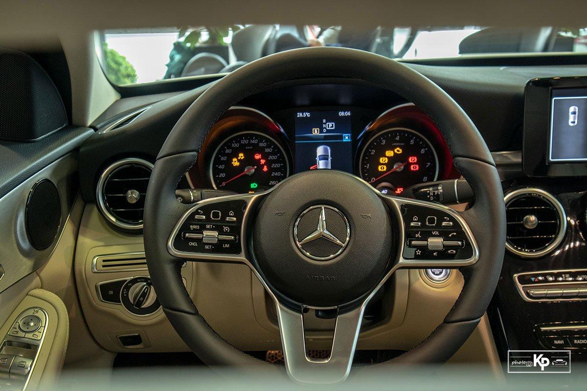 Ảnh Vô-lăng xe Mercedes-Benz C 180 AMG 2021