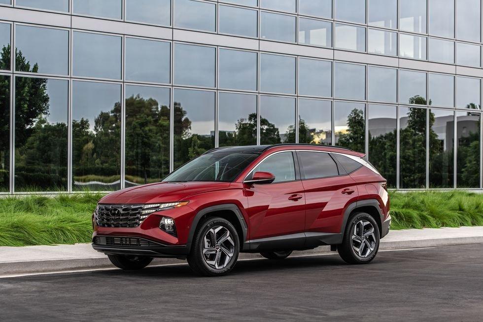 Hyundai Tucson 2022 nâng cấp mới tiện tay tăng giá vài chục triệu.