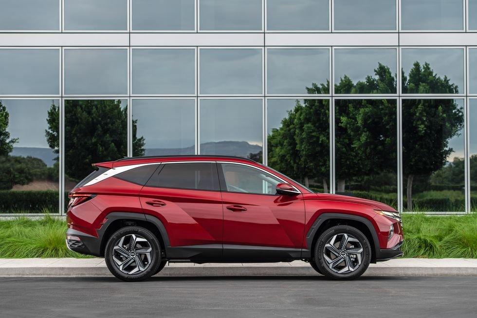 Hyundai Tucson 2022 nâng cấp mới có cả bản hybrid.