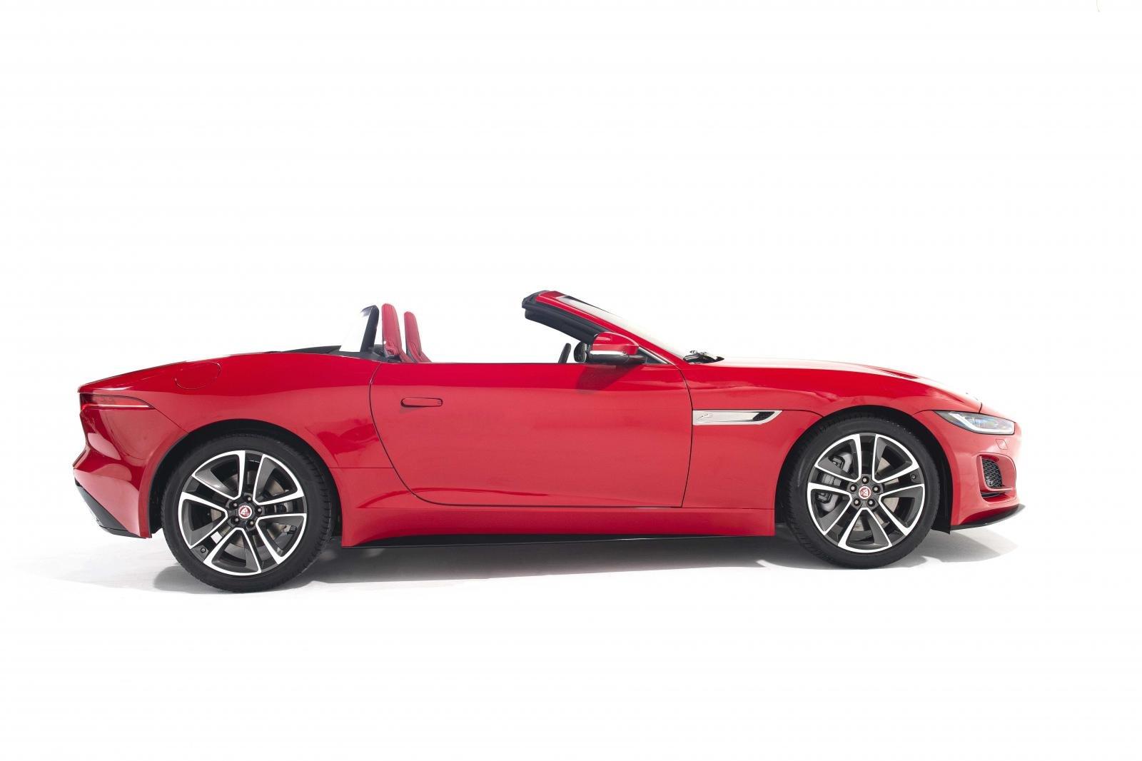Jaguar F-Type mới mạnh mẽ và bắt mắt.