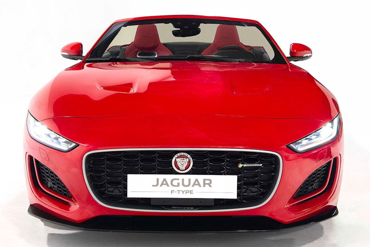 Thiết kế đầu xe Jaguar F-TYPE 2021 bản Covertible 1