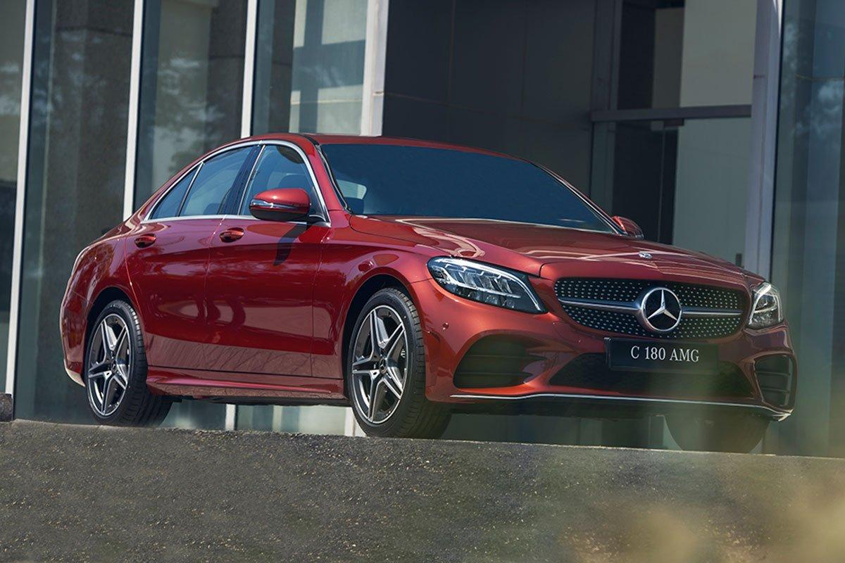 Thiết kế đầu xe Mercedes-Benz C180 AMG 2021 1