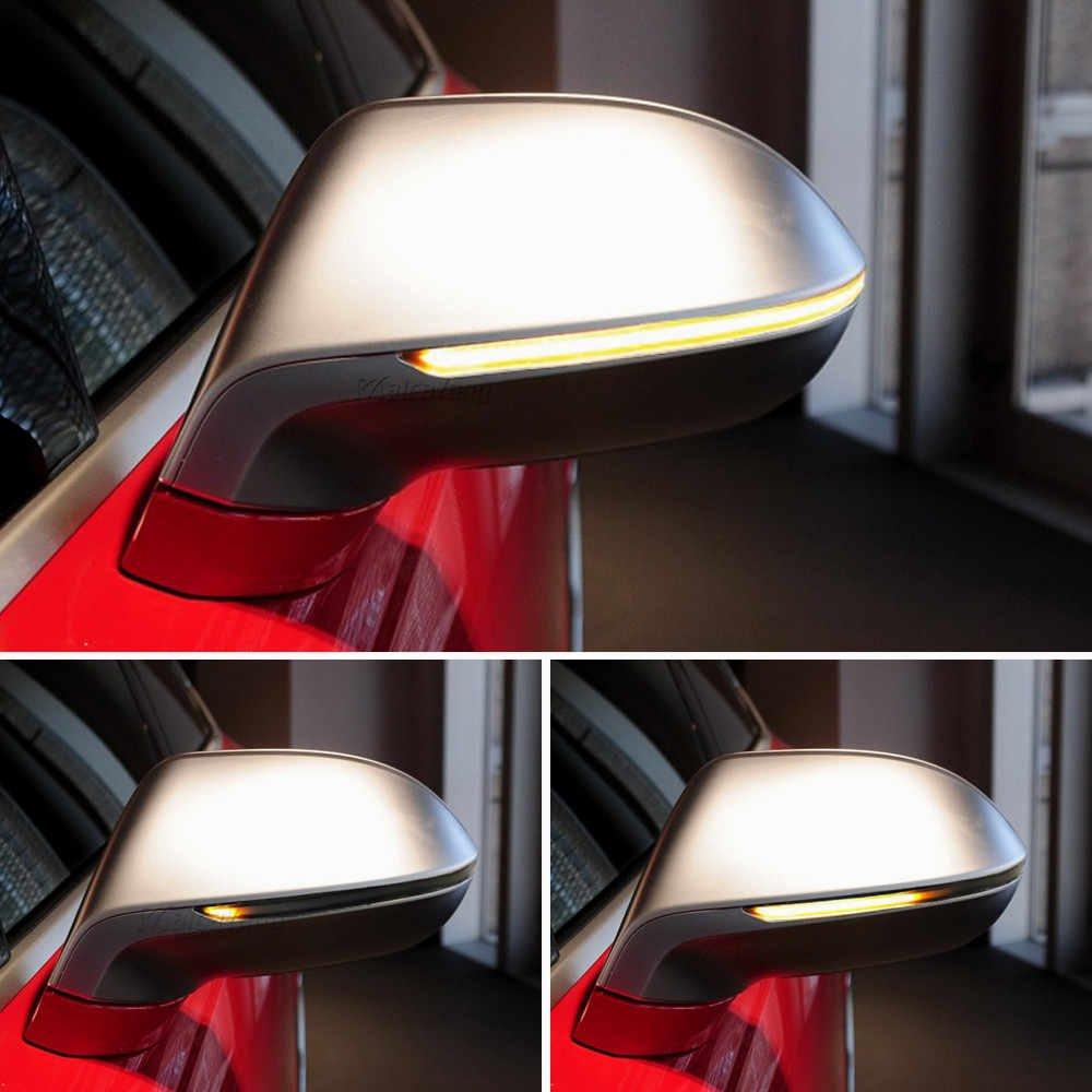 Gương chiếu hậu có tích hợp đèn LED.