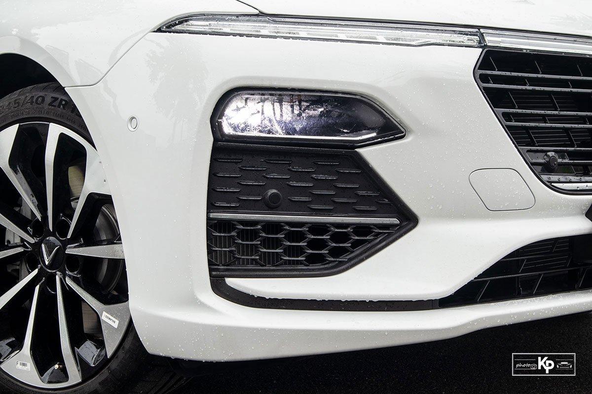 Ảnh Đèn pha xe VinFast Lux A2.0 2021