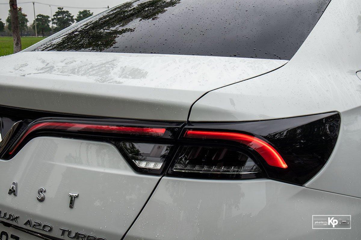 Ảnh Đèn hậu xe VinFast Lux A2.0 2021 a1