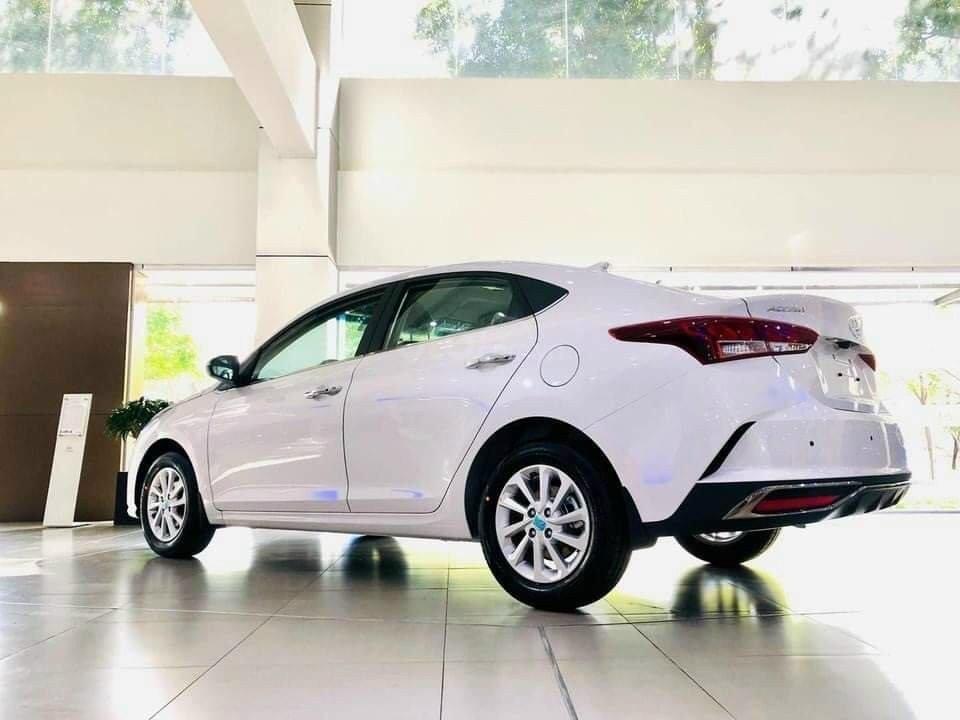Hyundai Accent, quà tặng khủng, đủ màu giao ngay, gia tăng bảo hành đến 5 năm (2)