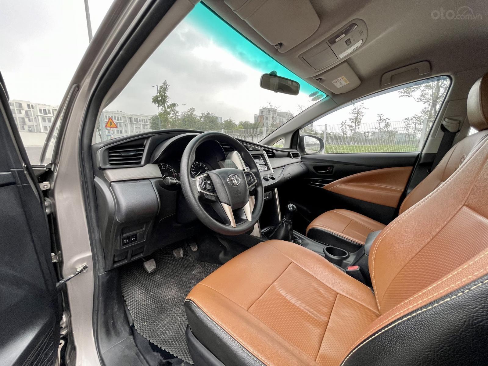 Bán Toyota Innova 2.0E sản xuất 2017 (6)