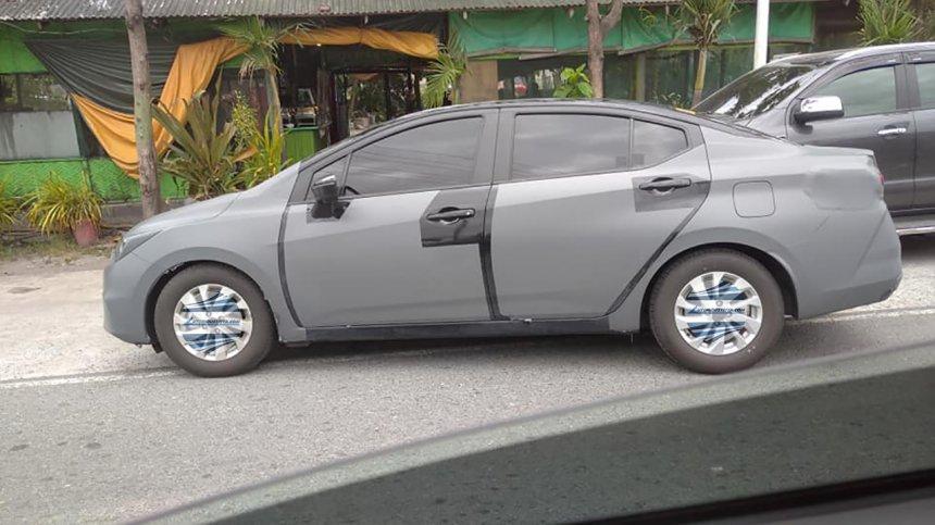 Nissan Sunny 2021 tiếp tục lộ dáng khi chạy thử.