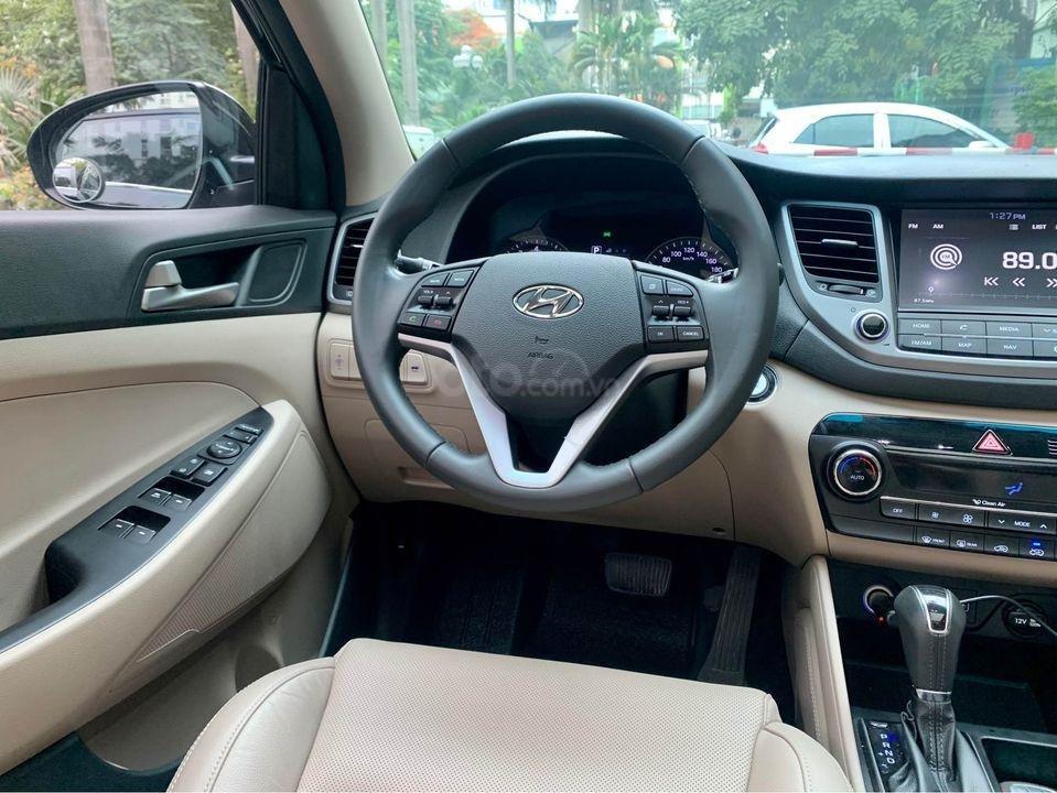 Cần bán xe Hyundai Tucson Turbo đời 2019, màu đen (5)