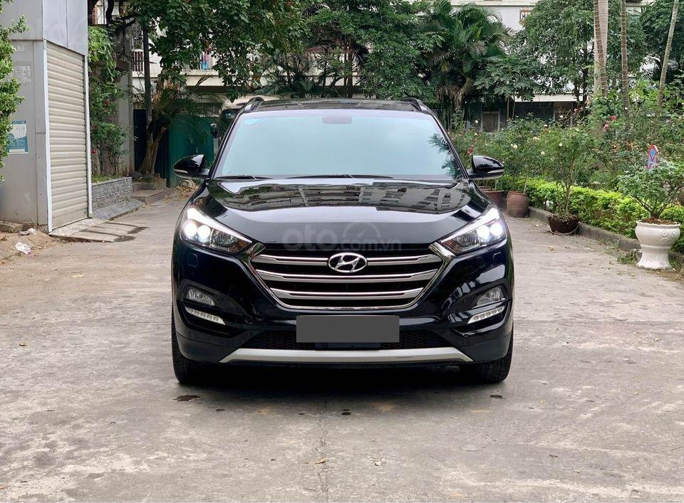 Cần bán xe Hyundai Tucson Turbo đời 2019, màu đen (3)