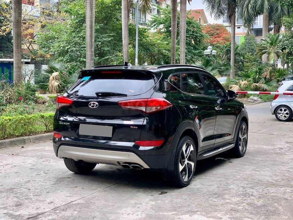 Cần bán xe Hyundai Tucson Turbo đời 2019, màu đen (1)