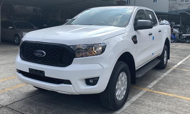 Ford Ranger XLS 2021 hỗ trợ vay đến 90% - đủ màu, giao ngay - giảm tiền mặt + tặng bảo hiểm thân vỏ và phim cách nhiệt (1)