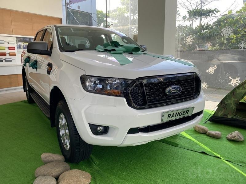 Ford Ranger XLS 2021 hỗ trợ vay đến 90% - đủ màu, giao ngay - giảm tiền mặt + tặng bảo hiểm thân vỏ và phim cách nhiệt (2)