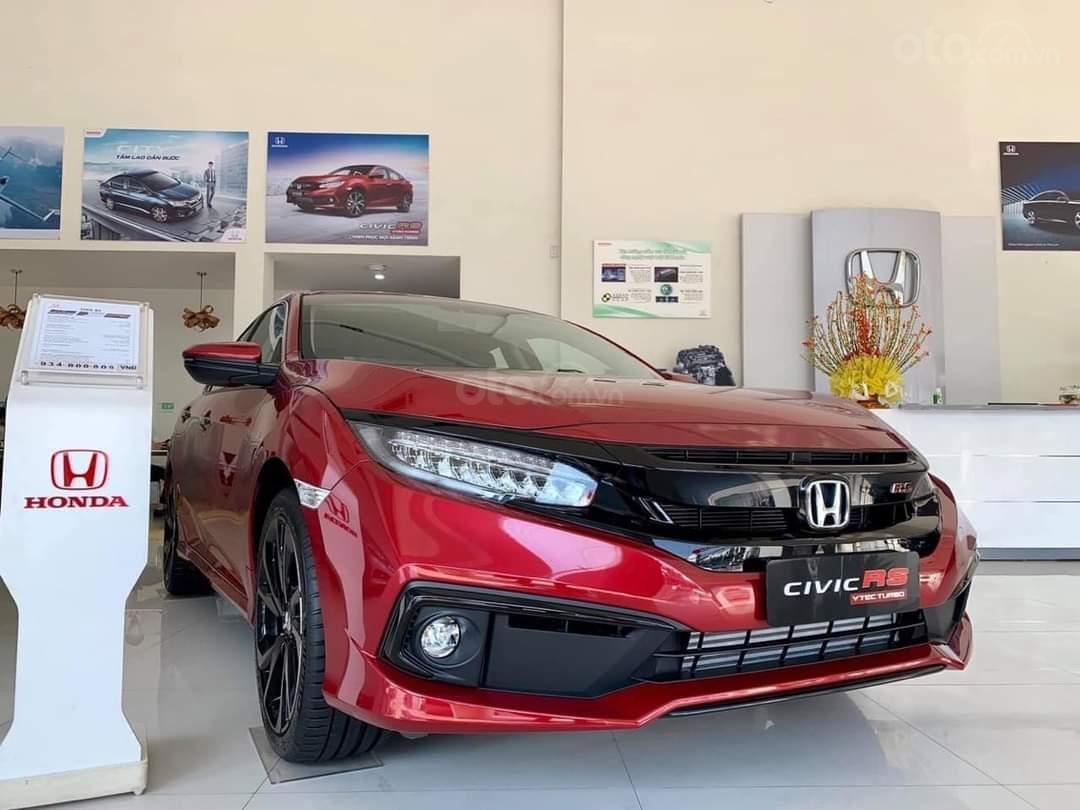 Với 197 xe giao đến tay khách hàng, Honda Civic vươn lên vị trí thứ 4 trong phân khúc 1