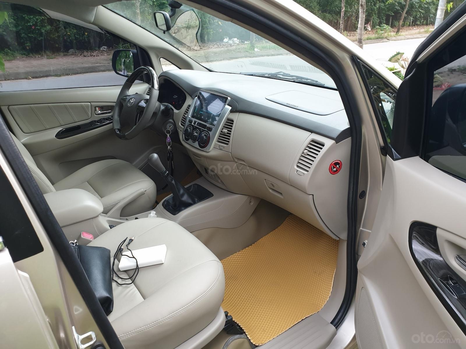 Bán ô tô Toyota Innova E 2015 sản xuất năm 2015 (4)
