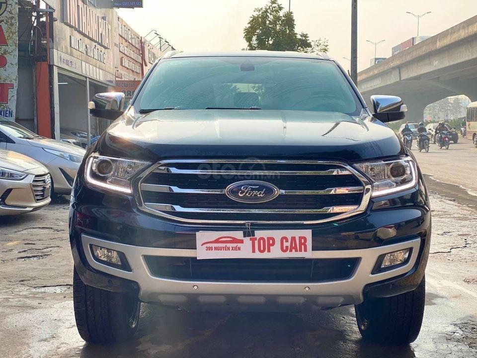 Cần bán xe Ford Everest đời 2019, màu đen, giá tốt (1)