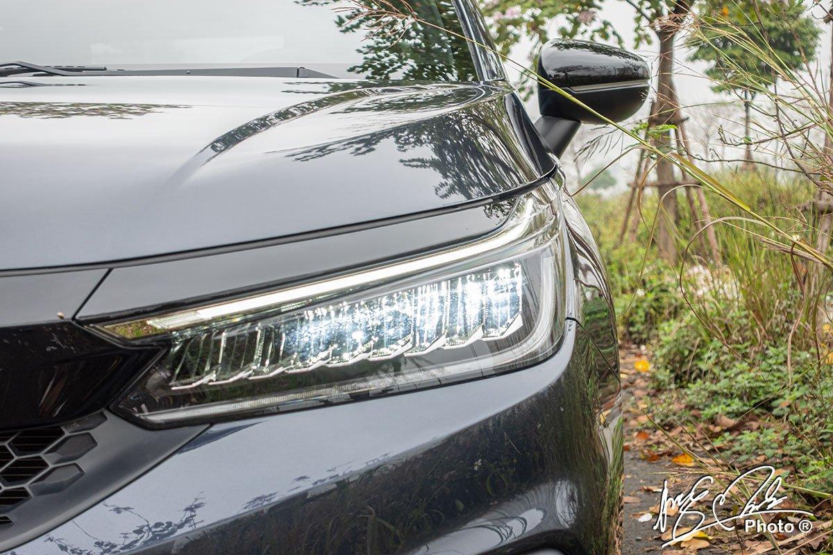 Đèn pha Full LED trên Honda City RS 2021.