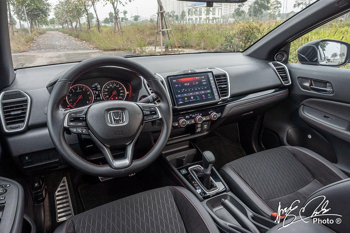 Nội thất của Honda City RS 2021 hiện đại và hấp dẫn.