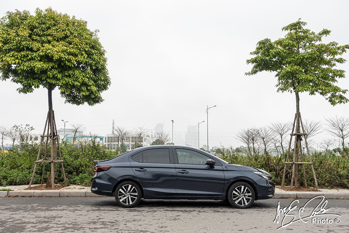 Honda City RS 2021 là mẫu xe có kích thước lớn nhất phân khúc sedan hạng B hiện tại.