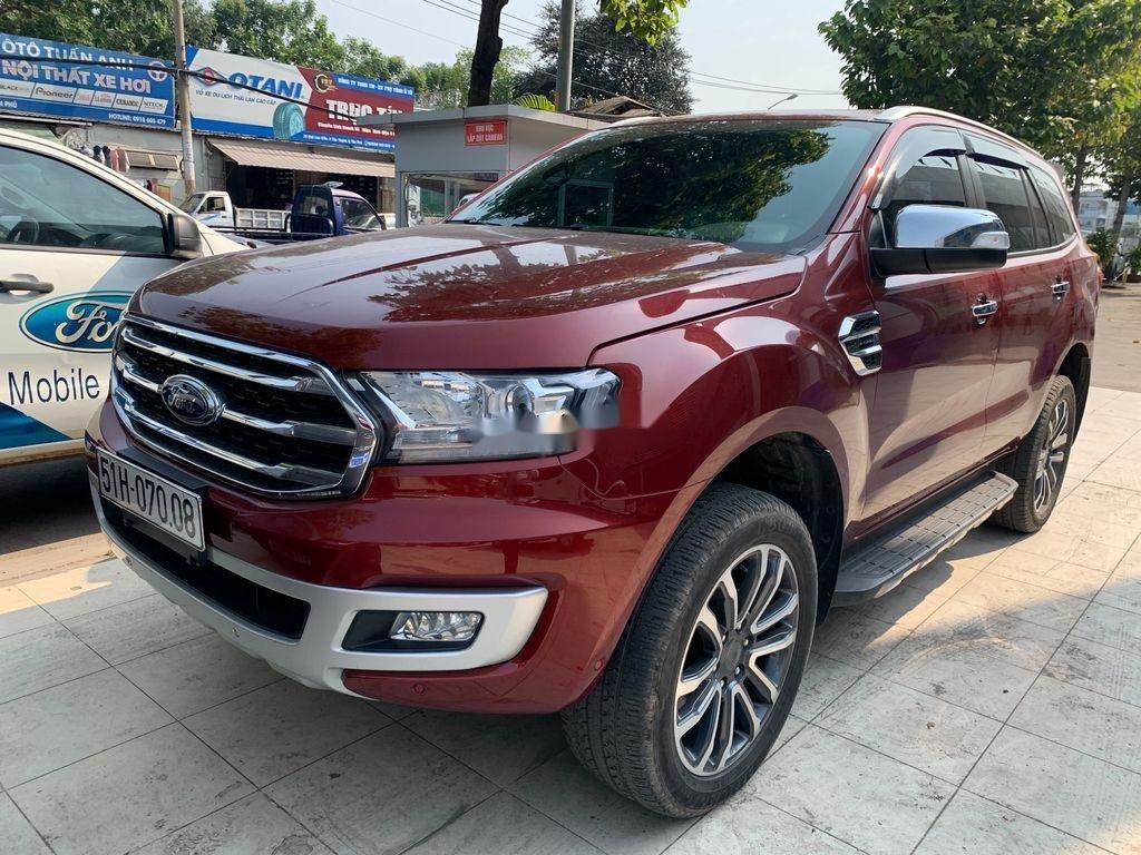 Cần bán gấp Ford Everest năm 2019 còn mới (2)