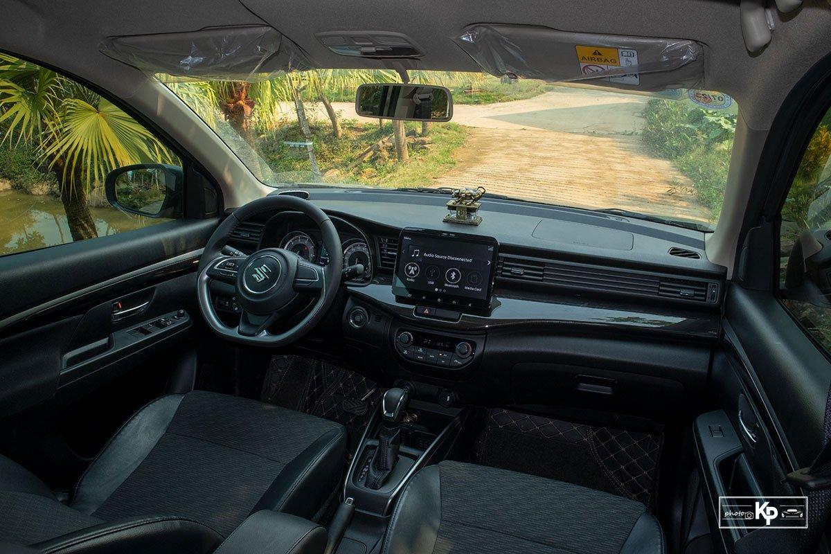 Ảnh Khoang lái xe Suzuki XL7 2021