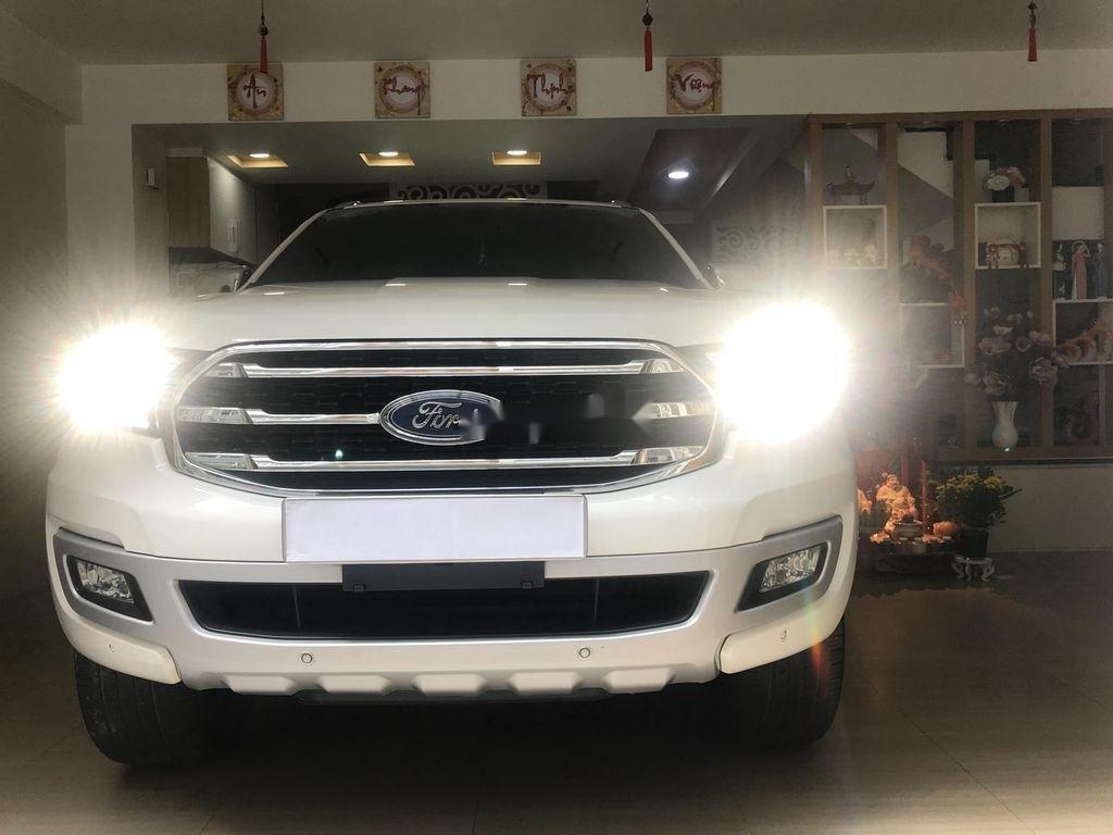 Cần bán xe Ford Everest năm sản xuất 2019, nhập khẩu nguyên chiếc còn mới (1)