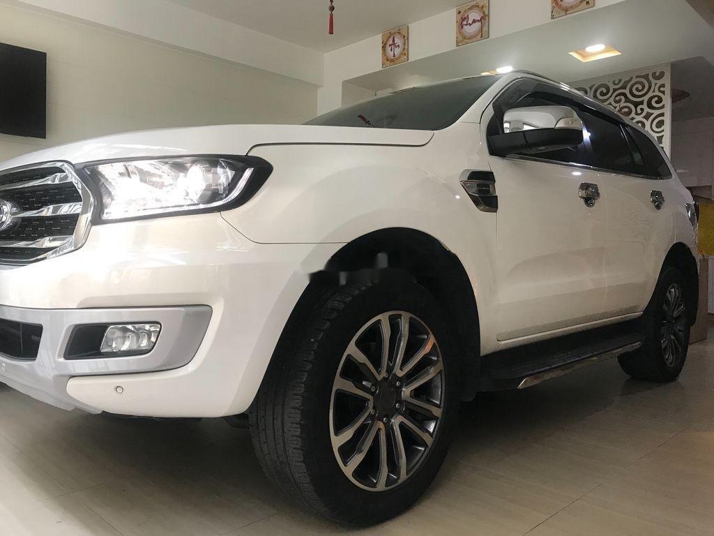 Cần bán xe Ford Everest năm sản xuất 2019, nhập khẩu nguyên chiếc còn mới (4)