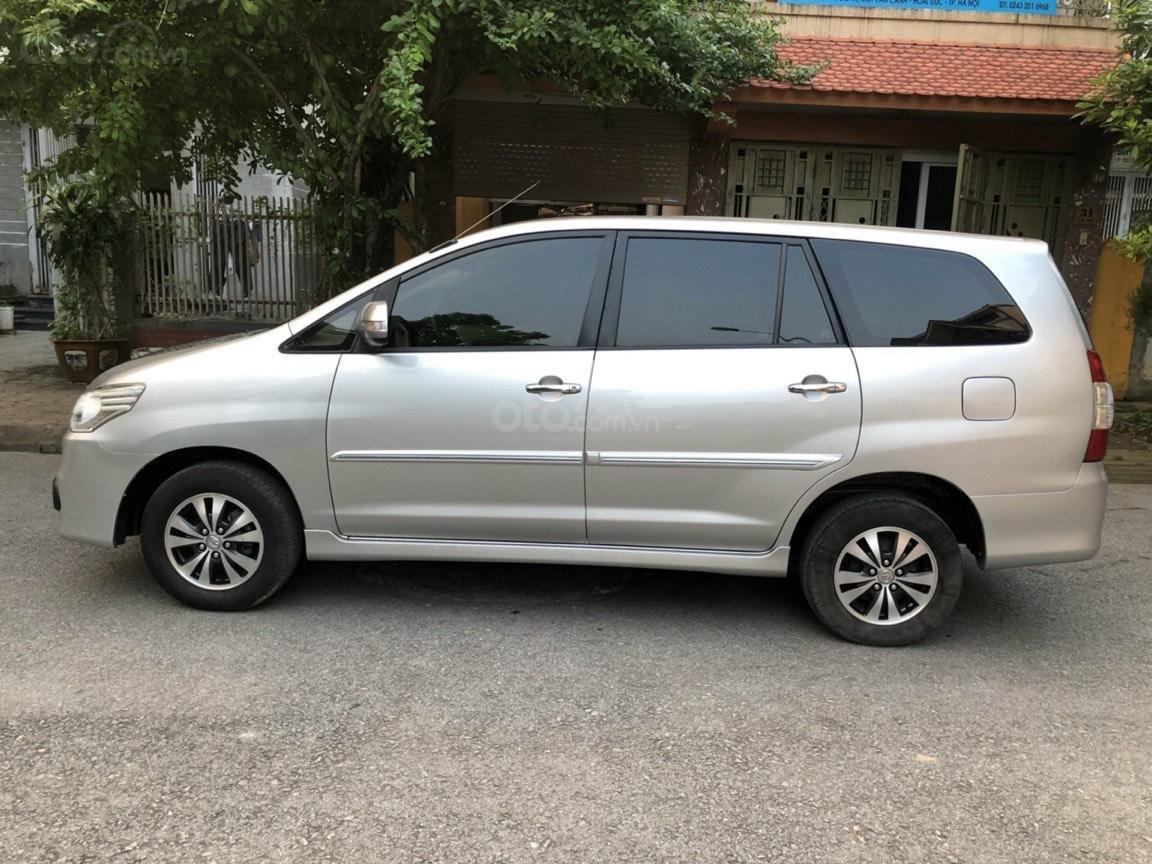 Gia Hưng Auto bán xe Toyota Innova 2.0E màu bạc sx 2015 (1)