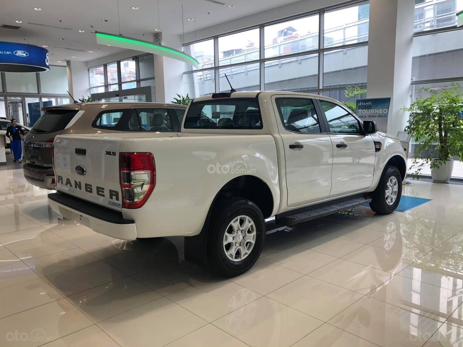 Suối Tiên Ford - Q9 - Ford Ranger XLS AT 2021 ưu đãi lớn giảm ngay tiền mặt + hàng loạt quà tặng kèm theo (5)