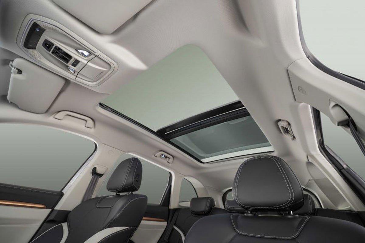 Cửa sổ trời toàn cảnh trên xe Haval H6 2021 1