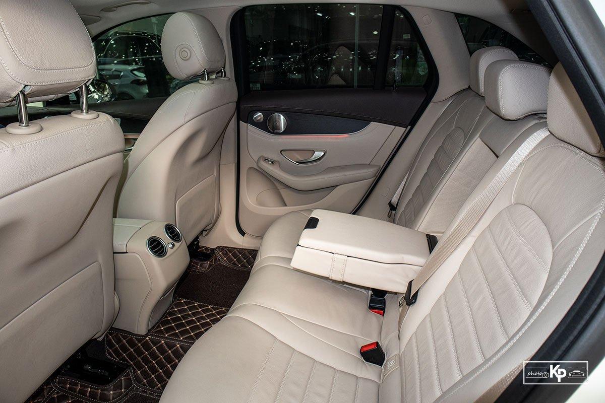Ảnh Ghế sau xe Mercedes-Benz GLC 300 2021 a1