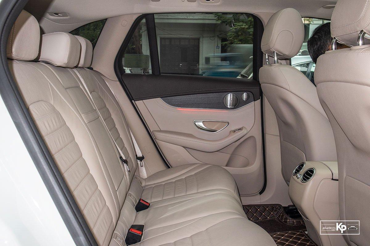 Ảnh Ghế sau xe Mercedes-Benz GLC 300 2021