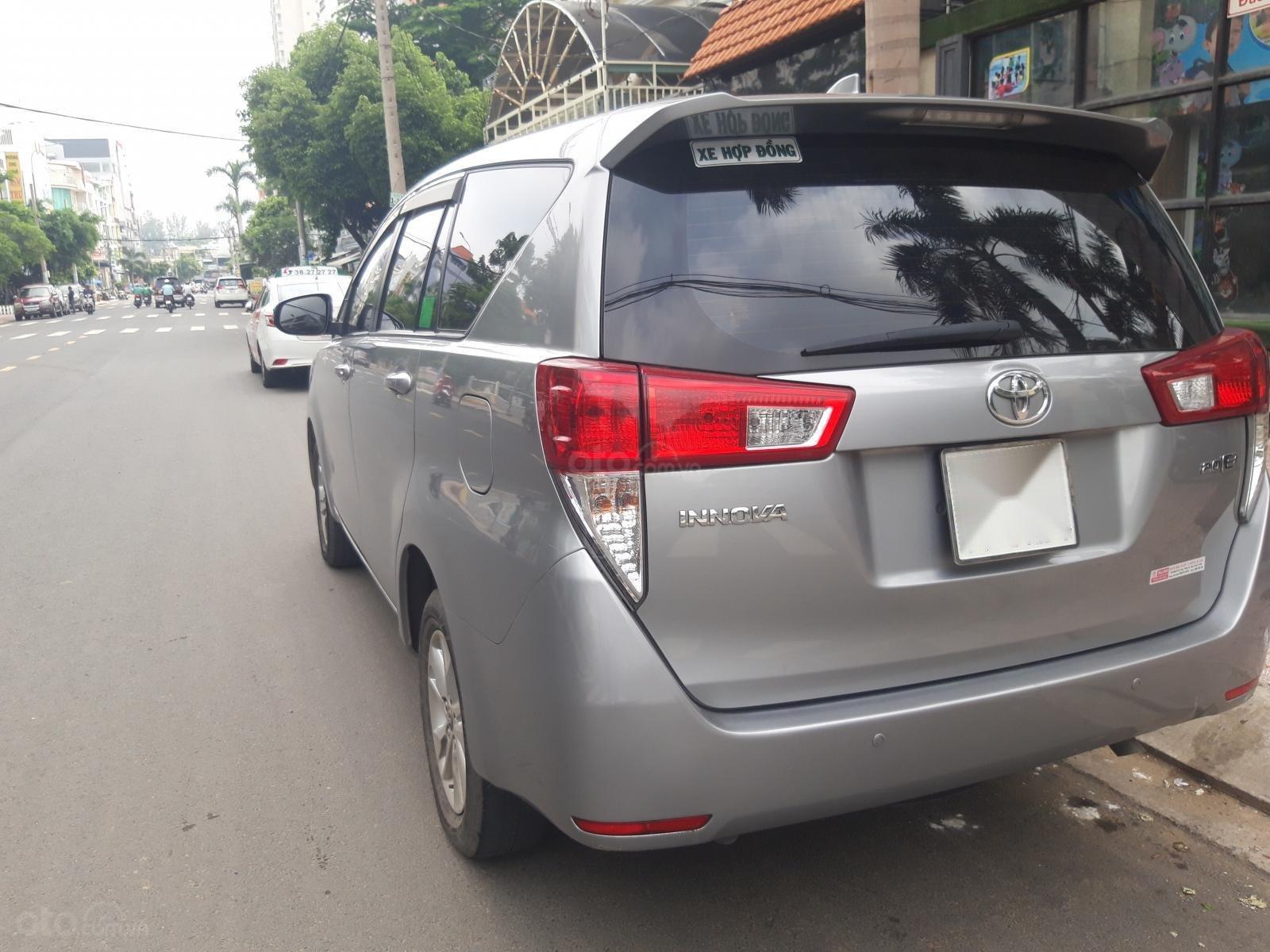Cần bán Toyota Innova sản xuất năm 2018, giá tốt (2)