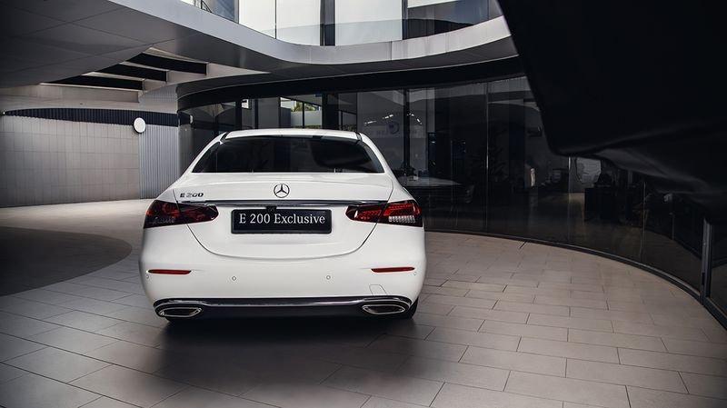 Mercedes-Benz E-Class 2021 chính thức ra mắt Việt Nam, giá cao nhất 2,95 tỷ đồng a4