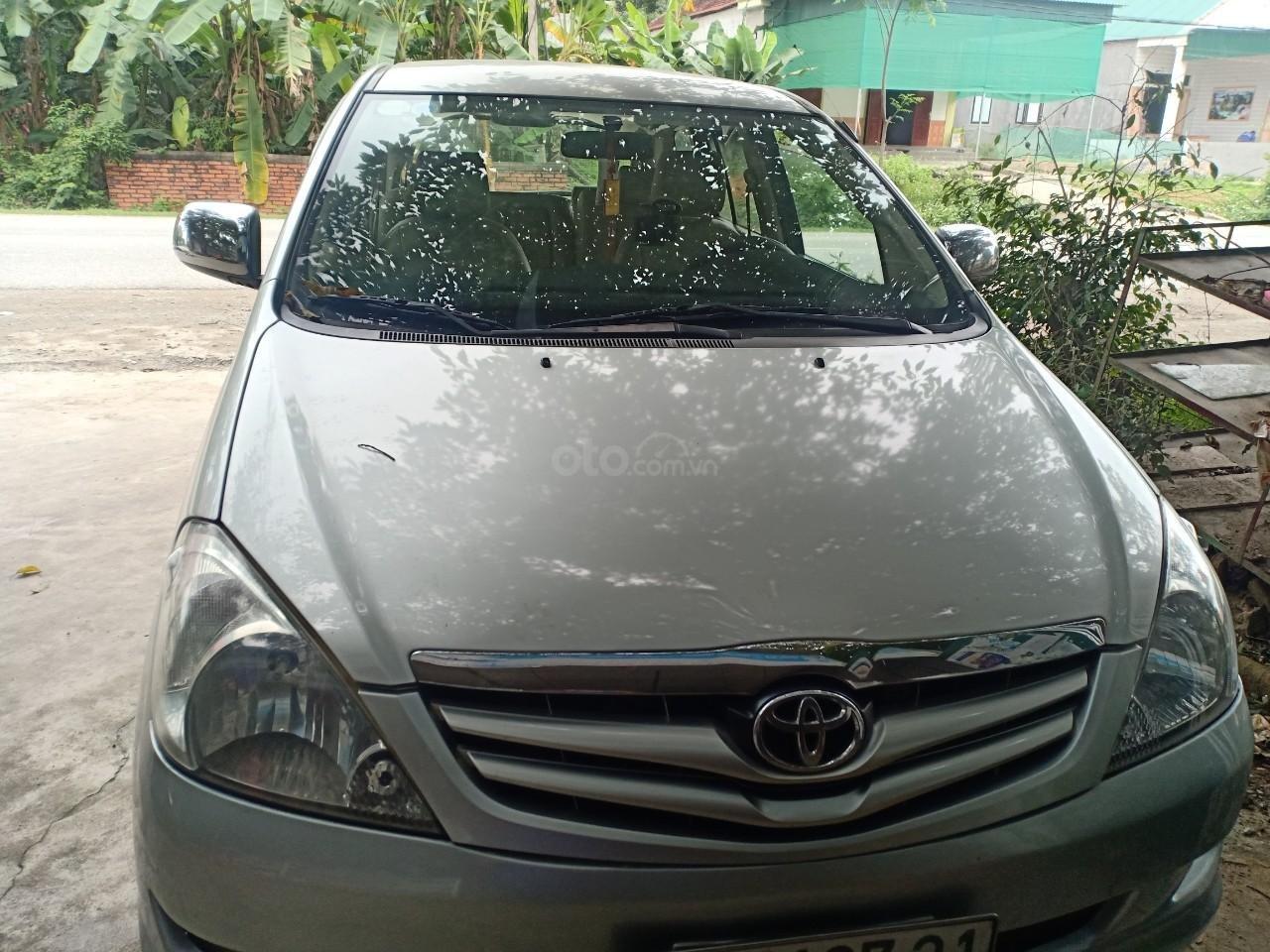 [Chính chủ] cần bán xe Toyota Innova 2008, màu bạc, 300 triệu (1)